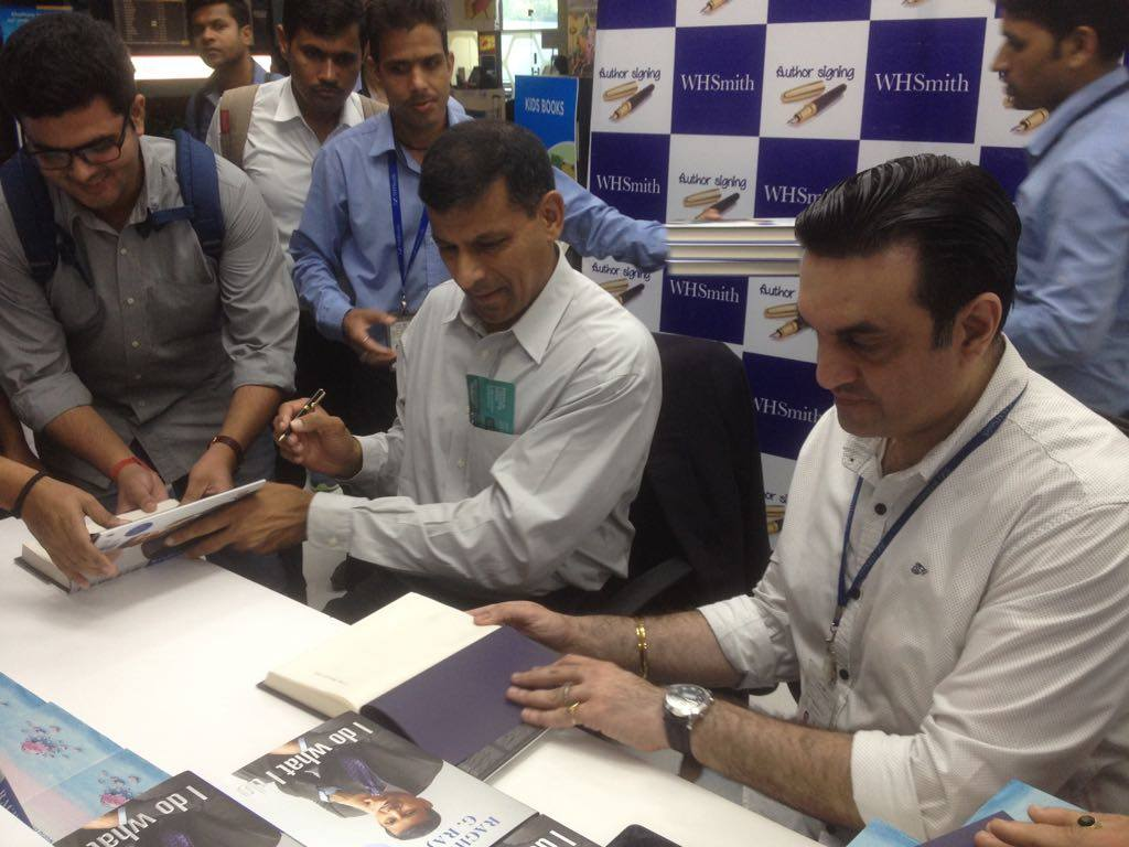 Events whsmith author signing of i do what i do by dr raghuram g rajan solutioingenieria Images